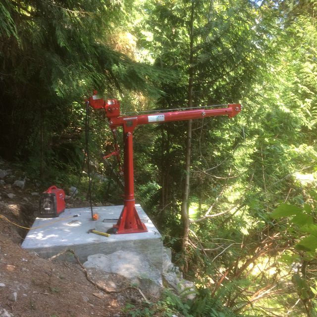Handyman's small removable crane in Hope, BC